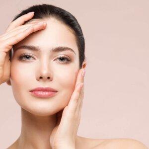 """Mesobotox: regala al tuo viso un magnifico effetto """"glass skin"""""""
